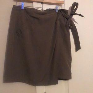Banana republic wrap skirt size 12